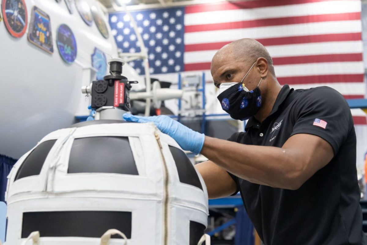 Christian astronaut — and his communion cups — lifting off on spacemission